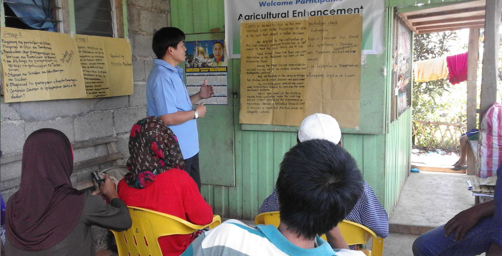 Lanao del Sur farmers train on new rice and corn farm techniques